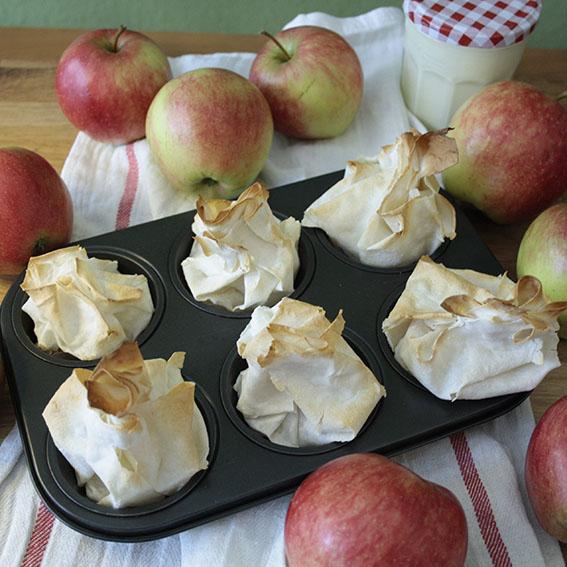 Apfelstrudelpäckchen_Blech