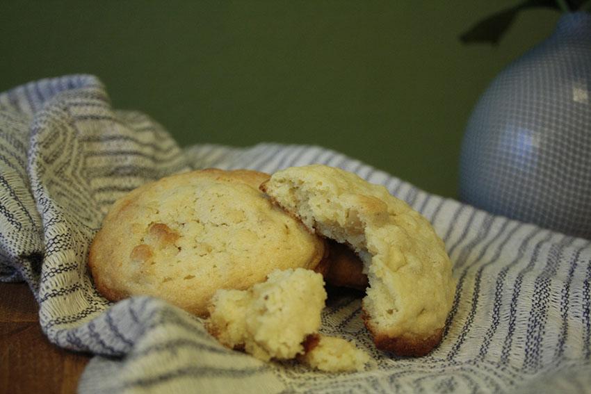 Macadamia_Cookies_angebissen