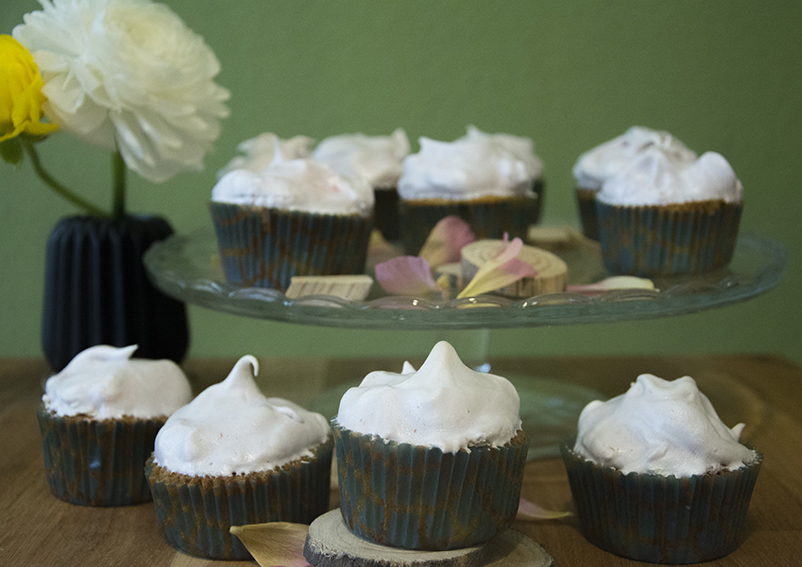Rhabarber_Cupcakes_1